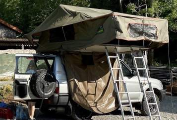 Hire a motorhome in Waiblingen from private owners| Toyota  Landcruiser J9