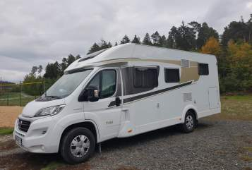 Hire a motorhome in Bidingen from private owners| Carado Maxi**