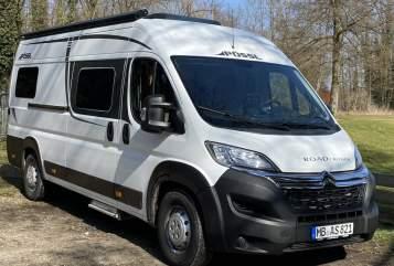 Hire a motorhome in Hausham from private owners| Pössl  Campii