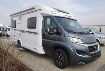 Hire a motorhome in Waakirchen from private owners| Weinsberg Mogli
