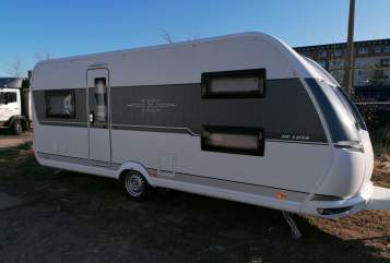 Hire a motorhome in Rostock from private owners| Hobby Happy Family