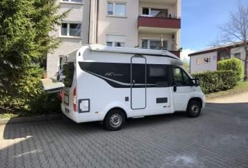 Hire a motorhome in Villingen-Schwenningen from private owners| Bürstner Camper