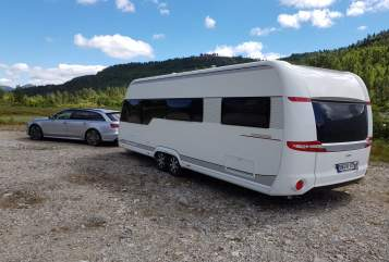 Hire a motorhome in Jenalöbnitz from private owners| Hobby -=Bobby=-