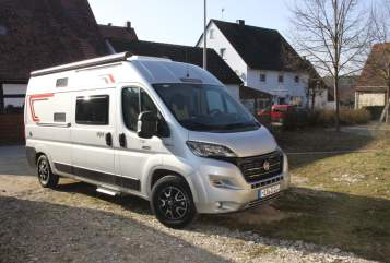 Hire a motorhome in Schnaittach from private owners| Challenger Sunny