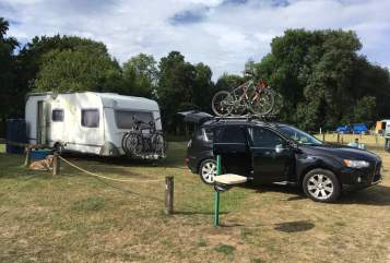 Hire a motorhome in Schwanstetten from private owners| Knaus Big Family