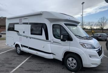 Hire a motorhome in Wernigerode from private owners| Hobby Atze
