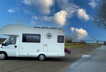 Hire a motorhome in Gettorf from private owners| Mc Louis Glen HerrBert