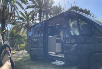 Hire a motorhome in Petershausen from private owners| Megamobil Meggy