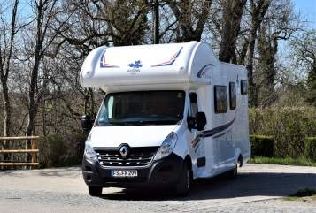 Hire a motorhome in München from private owners| Ahorn Hanna