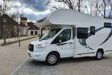 Hire a motorhome in München from private owners| Chausson Max