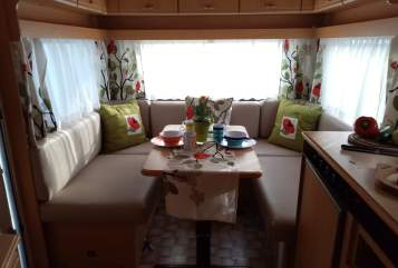 Hire a motorhome in Unterkirnach from private owners| Knaus Rosi