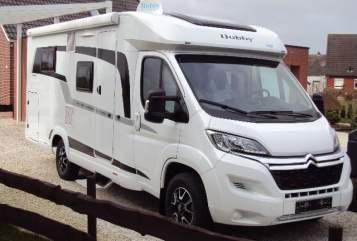 Hire a motorhome in Weener from private owners| Hobby Adloffs WoMo