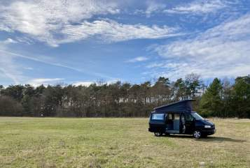 Hire a motorhome in Potsdam from private owners| Volkswagen Blacki