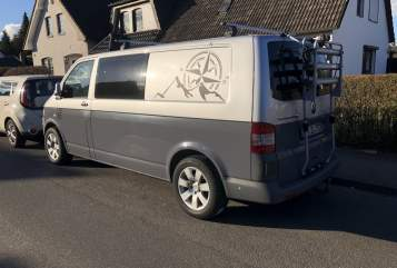 Hire a motorhome in Hamburg from private owners| VW Greyhound Bulli