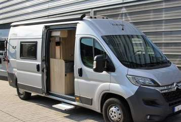 Hire a motorhome in Chemnitz from private owners| Clever Karl Clever