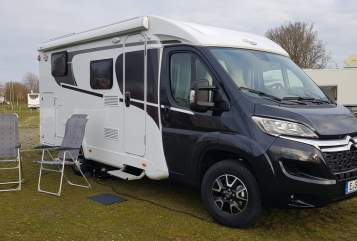 Hire a motorhome in Essen from private owners| Carado Carado Van V337
