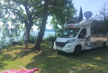 Hire a motorhome in Köln from private owners| Challenger Antjes und Uwes Camper mit Klimaanlage