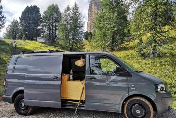 Hire a motorhome in Potsdam from private owners| VW Earl Grey