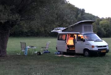 Hire a motorhome in Tilburg from private owners| VW Sowa