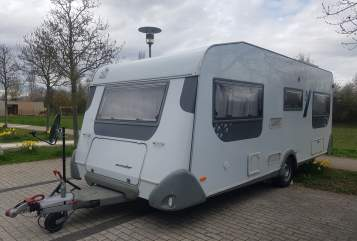 Hire a motorhome in Neckarsulm from private owners| Knaus Knaus