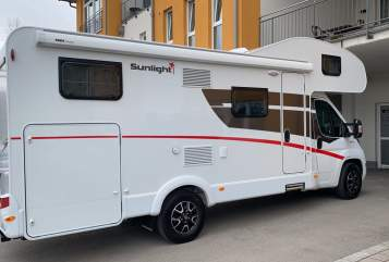 Hire a motorhome in Alling from private owners| Sunlight Traummobil