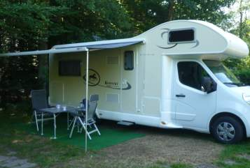 Hire a motorhome in Kusel from private owners  Renault Hati