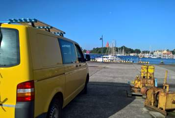 Hire a motorhome in Emden from private owners| Volkswagen Yellow