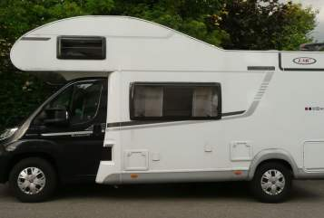 Hire a motorhome in Stuttgart from private owners| LMC LMC Breezer