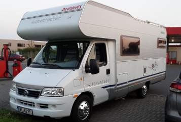 Hire a motorhome in Gronau (Westfalen) from private owners| Dethleffs Globetrotter Luigi II