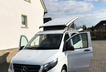 Hire a motorhome in Bremen from private owners  Westfalia Fritz