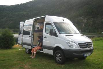 Hire a motorhome in Bannewitz from private owners| Mercedes-Benz Woodi