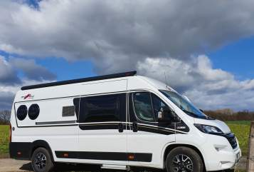 Hire a motorhome in Hamm from private owners| Malibu Clark