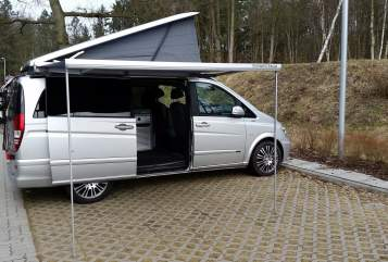 Hire a motorhome in Lüneburg from private owners| MB Carpe Diem