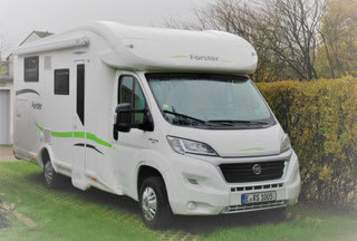 Hire a motorhome in Bottrop from private owners| Forster Forster T699 EB