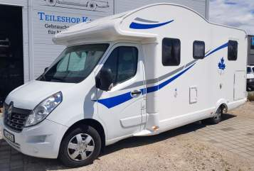 Hire a motorhome in Langweid am Lech from private owners  Ahorn Rolling Home