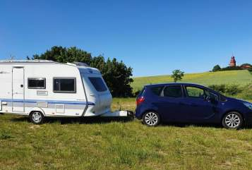 Hire a motorhome in Dahlenburg from private owners| Hobby - Der Woowy -