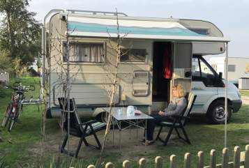 Hire a motorhome in Berlin from private owners| Ford Tourneo 2,4 l TDI,  85 kW Obelix - nicht warten, starten!