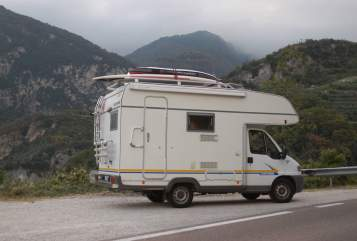Hire a motorhome in Leipzig from private owners| Eura Mobil Surfkoje