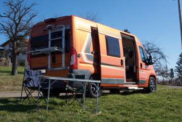 Hire a motorhome in Esslingen am Neckar from private owners  Weinsberg Pumpkin Carabus