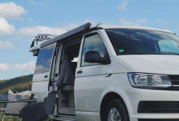 Hire a motorhome in Gera from private owners| Volkswagen CaliforniaCoast