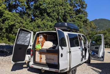 Hire a motorhome in Kiel from private owners  VW VW T5