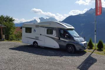 Hire a motorhome in Geltendorf from private owners| Knaus  Momo