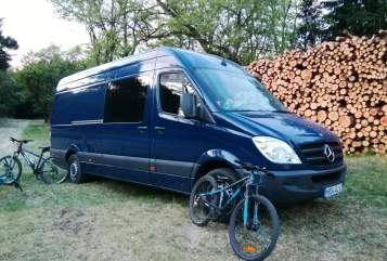 Hire a motorhome in Berlin from private owners| Mercedes Benz Käpt'n Blaubär