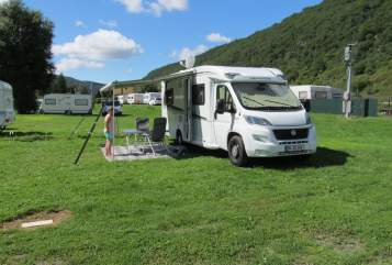Hire a motorhome in Niederzier from private owners| Weinsberg Weinsi