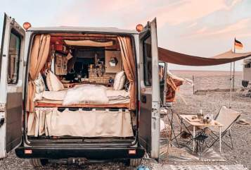 Hire a motorhome in Bonn from private owners| Mercedes BONNAVIDA