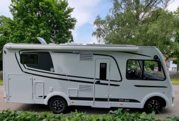 Hire a motorhome in Backnang from private owners| Etrusco Stella