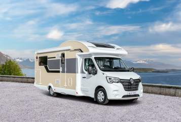 Hire a motorhome in Walldürn from private owners| Ahorn Canada TF Plus