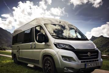 Hire a motorhome in Großkarolinenfeld from private owners| VanTourer VanTourer 600L