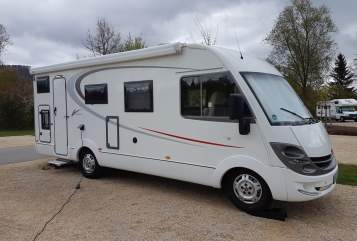 Hire a motorhome in Stuttgart from private owners| Bürstner Paul Viseo