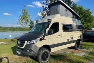 Hire a motorhome in Stuttgart from private owners| Hymer Freedom 8088